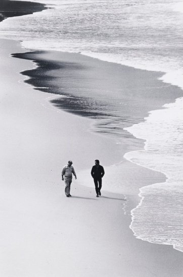Russell Drysdale and Peter Sculthorpe, Tallow Beach, New South Wales, 1969 (printed 2000) David Moore