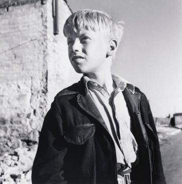 Surry Hills boy 1, 1948 (printed 2000) by David Moore